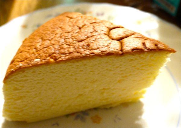 りくろーおじさんのチーズケーキの画像