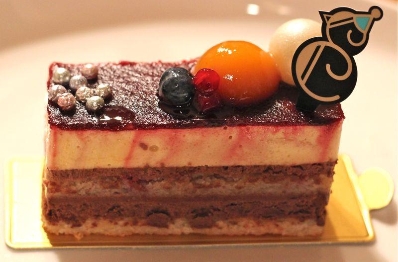アンリ・シャルパンティエのクリスマスショートケーキの画像