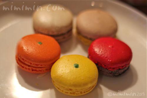 アンリ・シャルパンティエの季節のマカロンの写真3