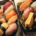 テイクアウトのにぎり寿司の写真