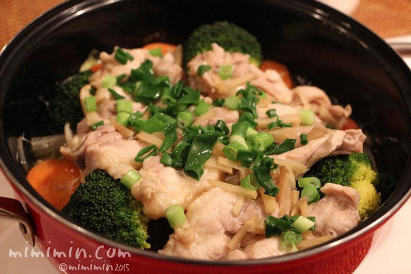 蒸し鶏とスチーム野菜の写真