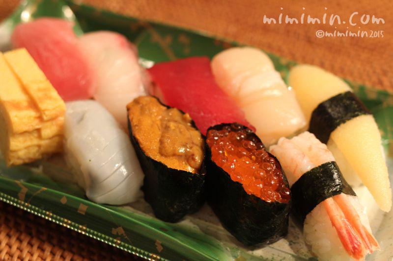 美登利寿司のお持ち帰りの竹にぎりの画像