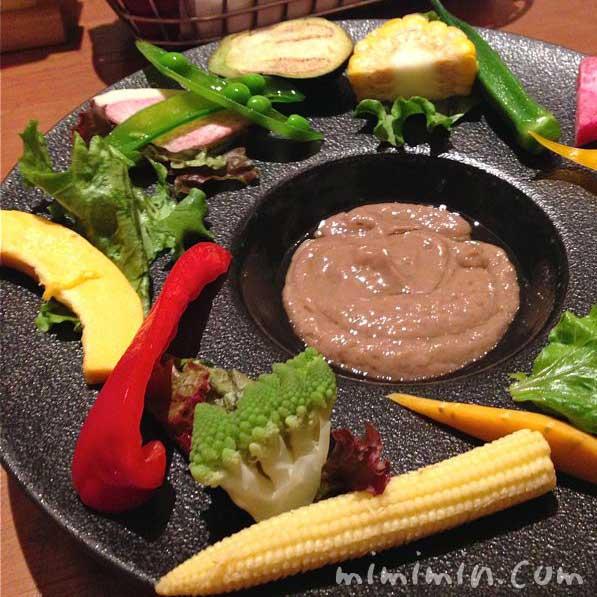 朝摘み三浦野菜のバーニャカウダ・ぶどう酒食堂さくら