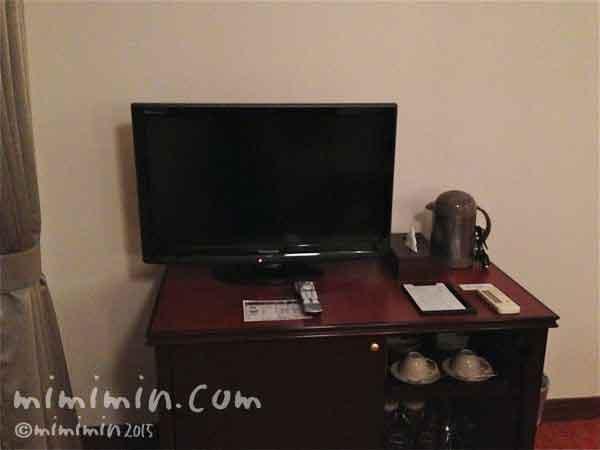 軽井沢万平ホテルのウスイ館のテレビの写真
