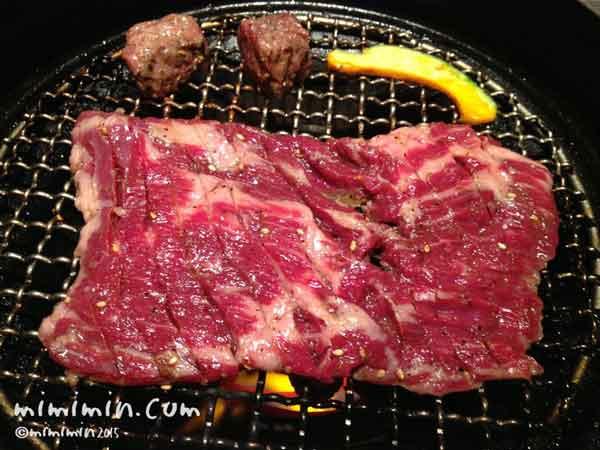 焼肉トラジ園の焼き肉の写真
