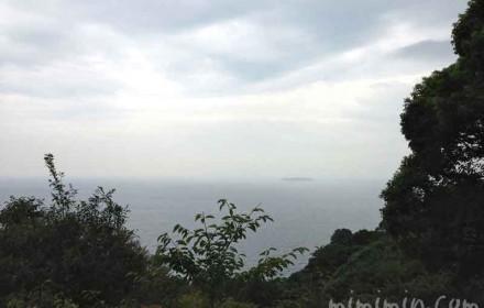 アカオハーブ&ローズガーデンから見える熱海の海の写真