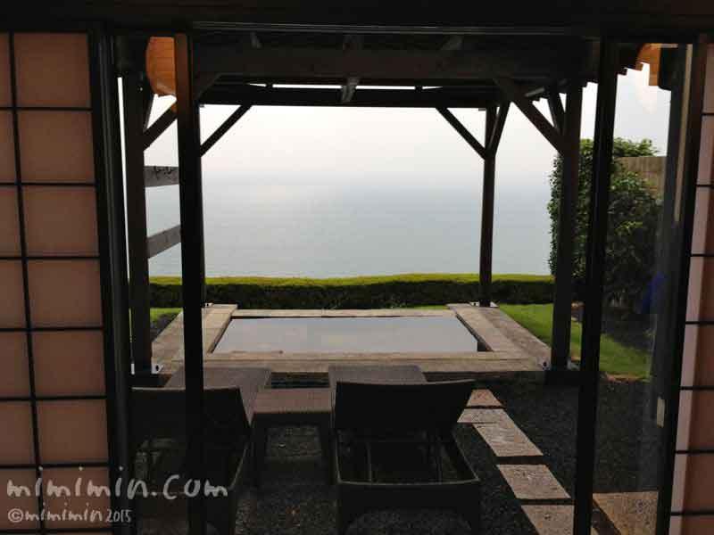 伊東温泉の旅館「月のうさぎ」の露天風呂の写真