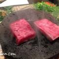 和牛の溶岩焼きの画像