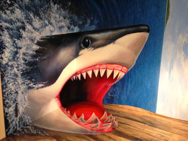 熱海トリックアート迷宮館のサメの絵