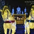 代官山アドレス・ディセの黄金のイルミネーションの馬車の画像