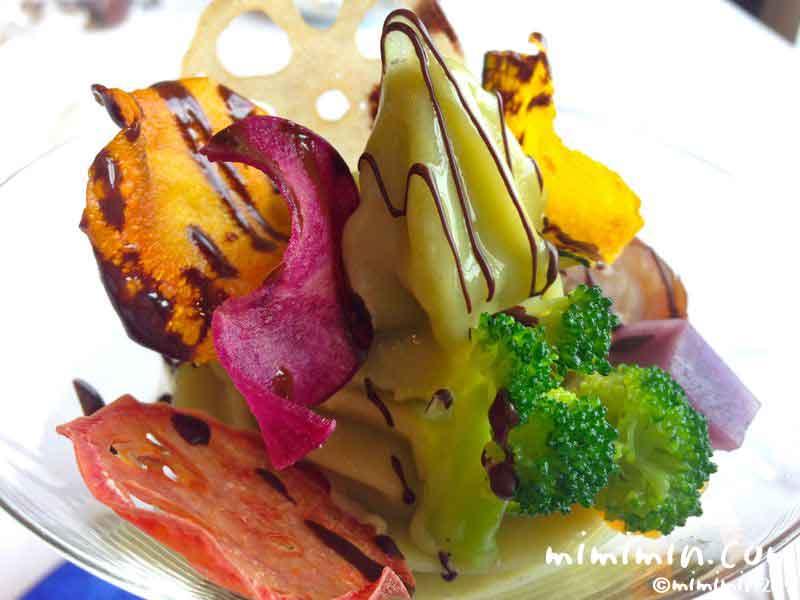 ウェスティンホテル東京のフレンチレストランのビクターズの野菜のパフェの画像