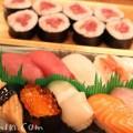 寿司 握りと鉄火巻きの画像