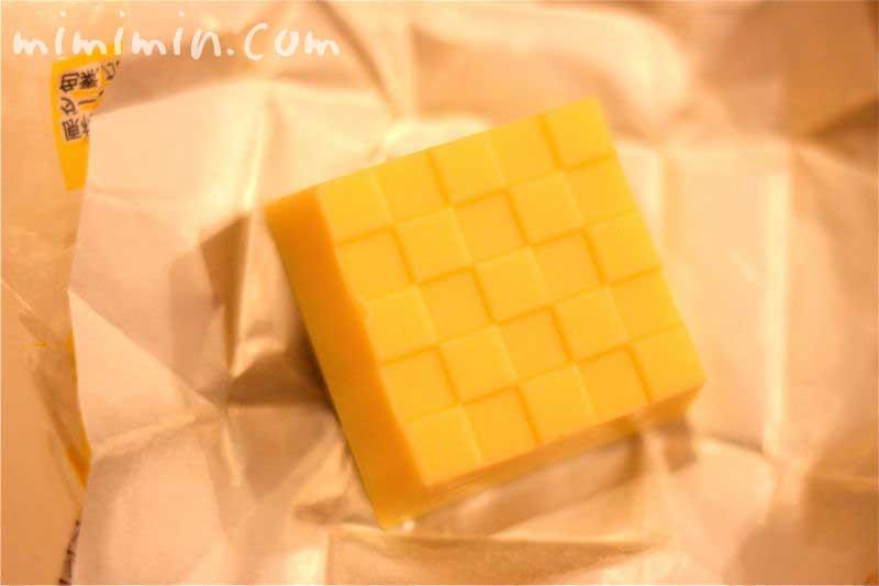 窯出しとろけるプリンのチロルチョコ の写真