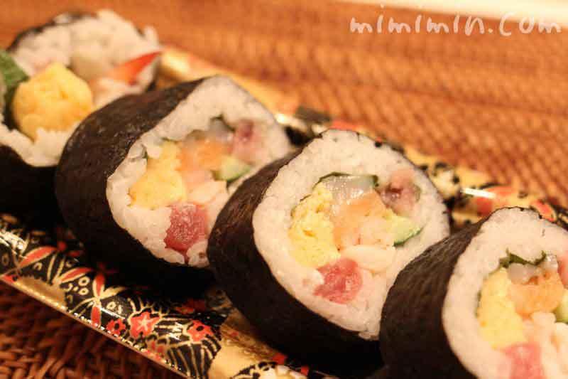 海鮮太巻き寿司の画像
