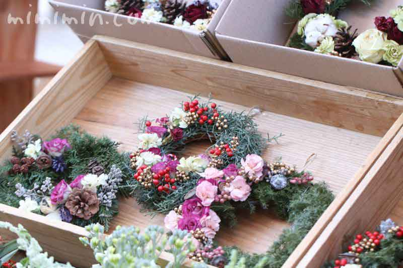 恵比寿ガーデンプレイスの恵比寿マルシェのクリスマスリースの画像