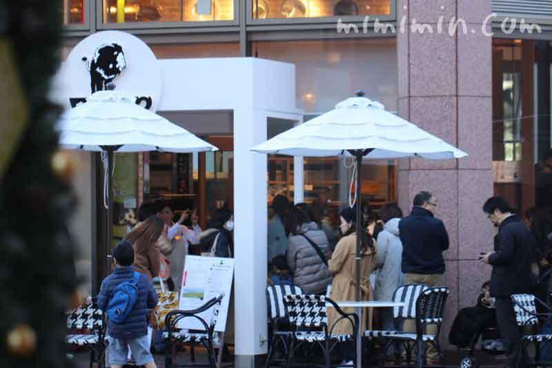 俺のベーカリーカフェ(恵比寿ガーデンプレイス)の行列の画像