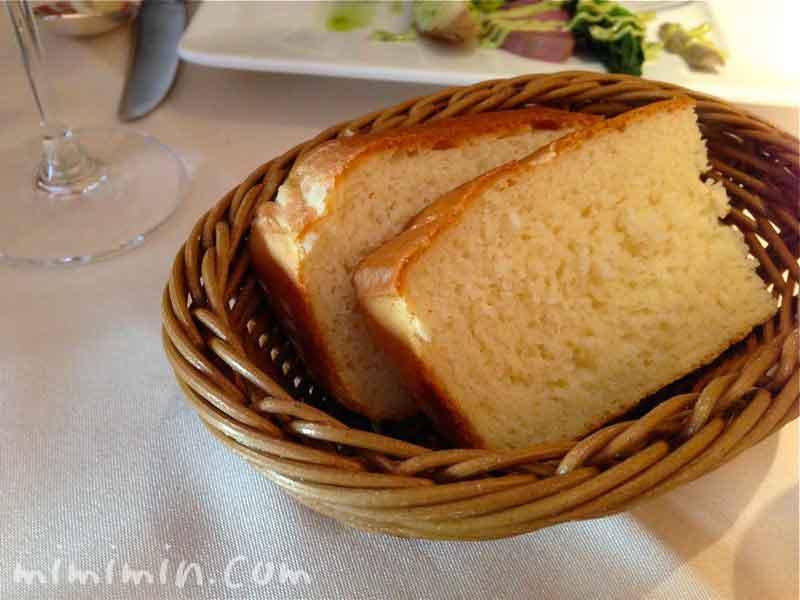 三笠會館 トラットリア メッツァニィノ パンの写真