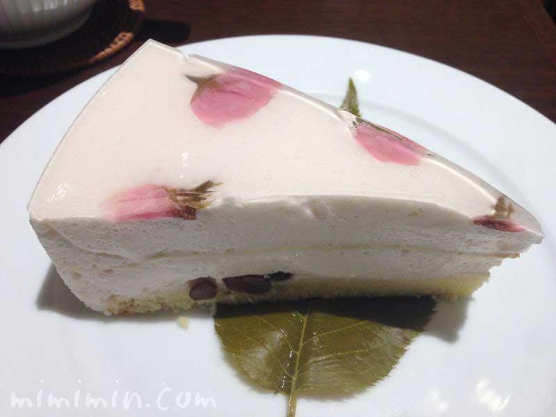 ハーブスのさくらケーキ