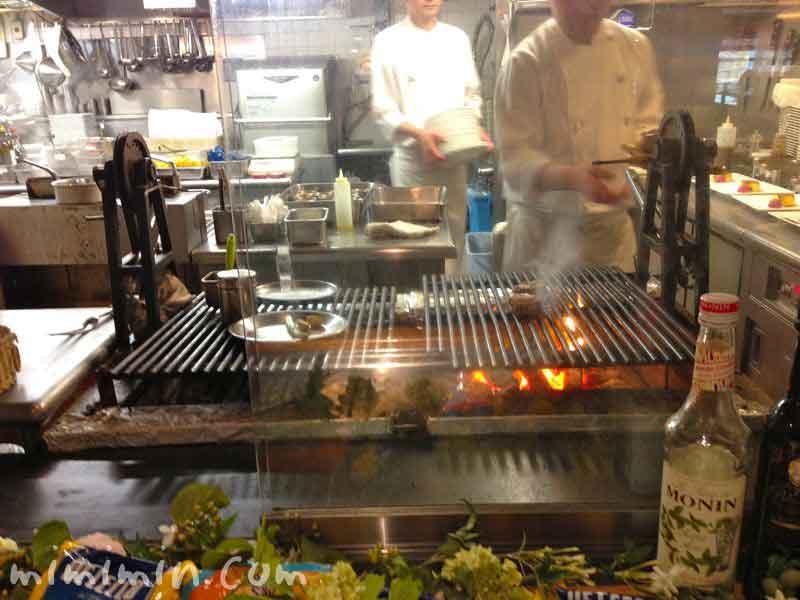 三笠會館 トラットリア メッツァニィノのオープンキッチンの画像