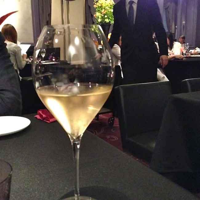 シャンパン・ラ ターブル ドゥ ジョエル・ロブションの画像