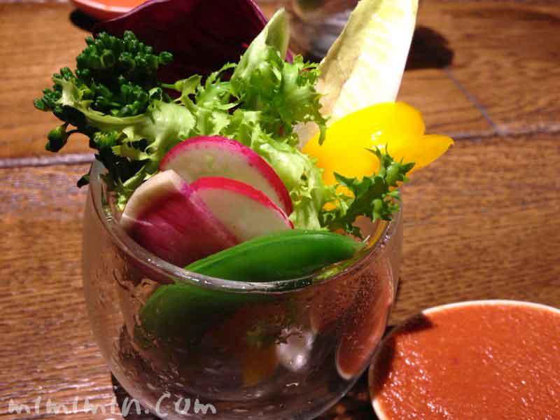 なかもぐろ・彩り野菜の自家製ディップの写真