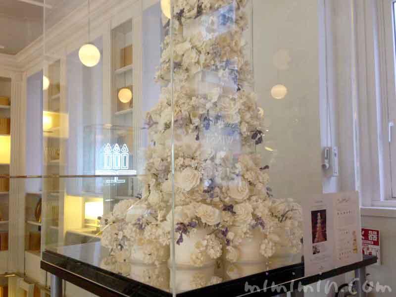 バラのケーキ 銀座メゾン アンリ・シャルパンティエ|サロン・ド・テの画像
