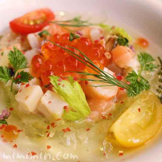 魚介類のマリネのタルタル アボカドのクリームとトマトのゼリーのハーモニー(モナリザ恵比寿店)の画像