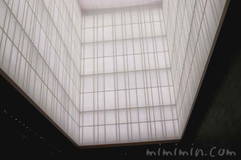 アマン東京のロビーの天井の画像