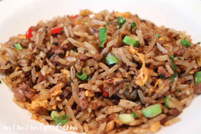 和牛挽き肉と長ネギ 欖菜のジャスミンライス チャーハン仕立て|ヘイフンテラス ザ・ペニンシュラ東京の中華料理の写真