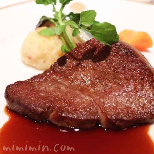 飛騨牛フィレ肉のステーキ マデラソース|資生堂パーラー(銀座本店レストラン)のコースのメイン料理の画像