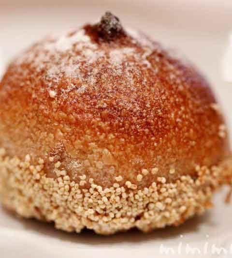 シャティーヌ|ジョエル・ロブションの栗の形をしたパン