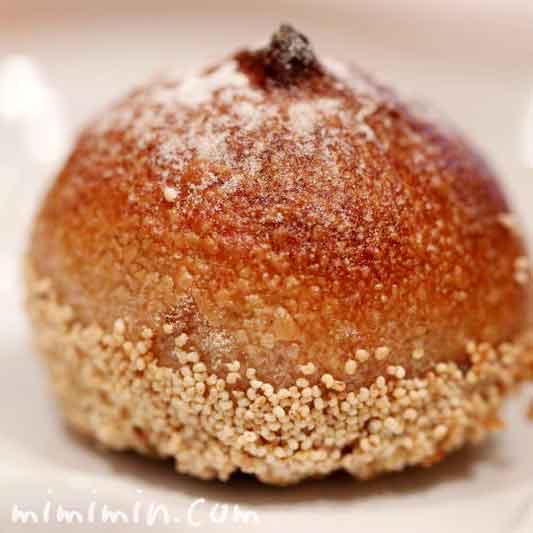 シャティーヌ|ロブションの栗が丸ごと入ったパンの写真