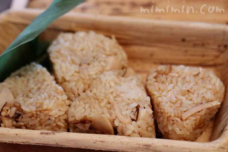 松茸の炊き込みご飯のおにぎり|和の食 いがらしの写真