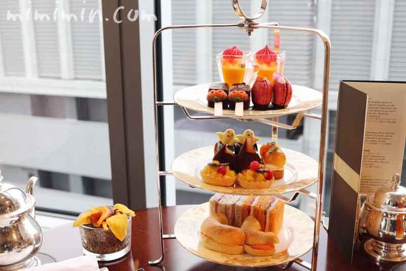 シャングリ・ラ ホテル東京のザ・ロビーラウンジのアフタヌーンティーの写真