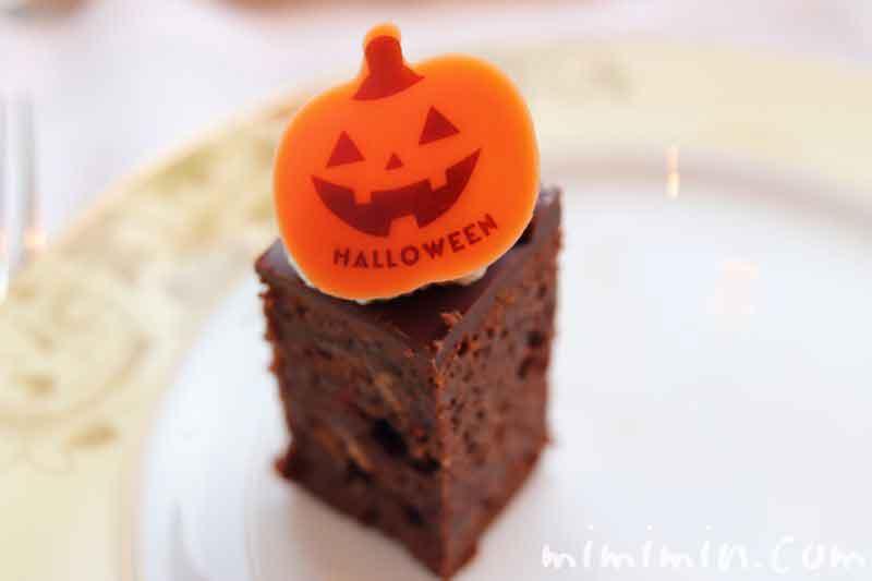 シャングリ・ラ ホテル東京のクラシックアフタヌーンティーの休日限定のケーキの画像