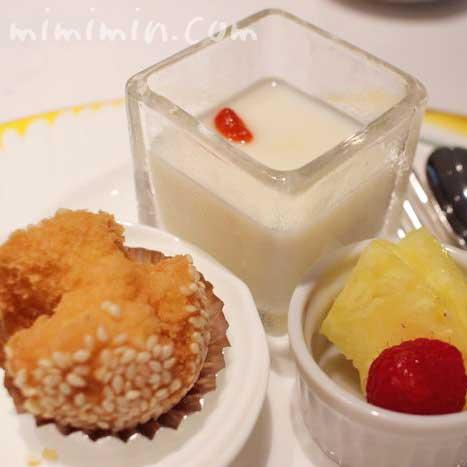 デザートの盛り合わせ|龍天門のランチ(ウェスティンホテル東京)の写真
