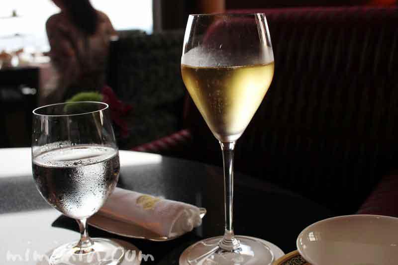 白ワイン|ザ・リッツ・カールトン東京(ザ・ロビーラウンジ&バー) の写真
