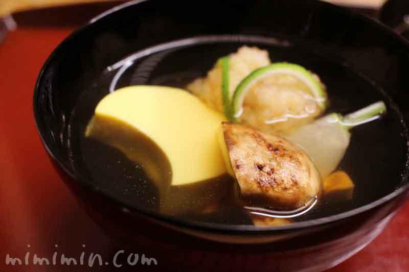煮物椀 鱧豊年椀 松茸 小蕪 三日月豆腐 柚子|赤坂 菊乃井の昼懐石の画像