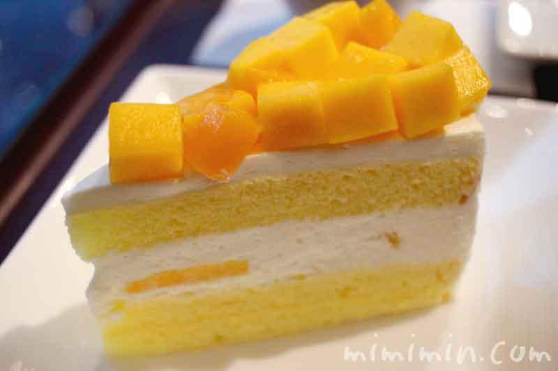 マンゴーケーキ|ザ・リッツ・カールトン カフェ&デリのケーキセットの写真