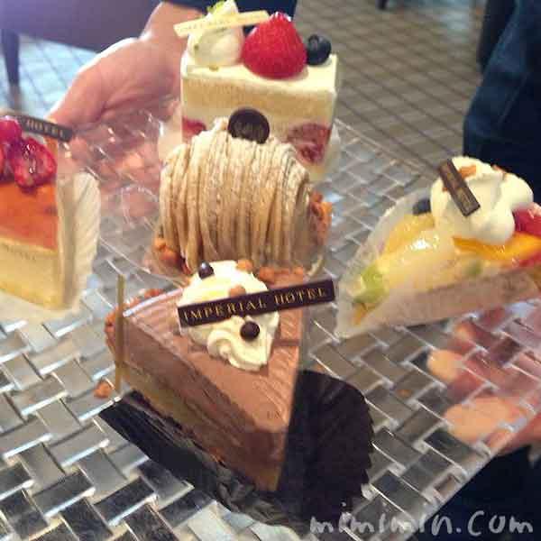 帝国ホテル「インペリアルラウンジ アクア」のケーキセットの画像