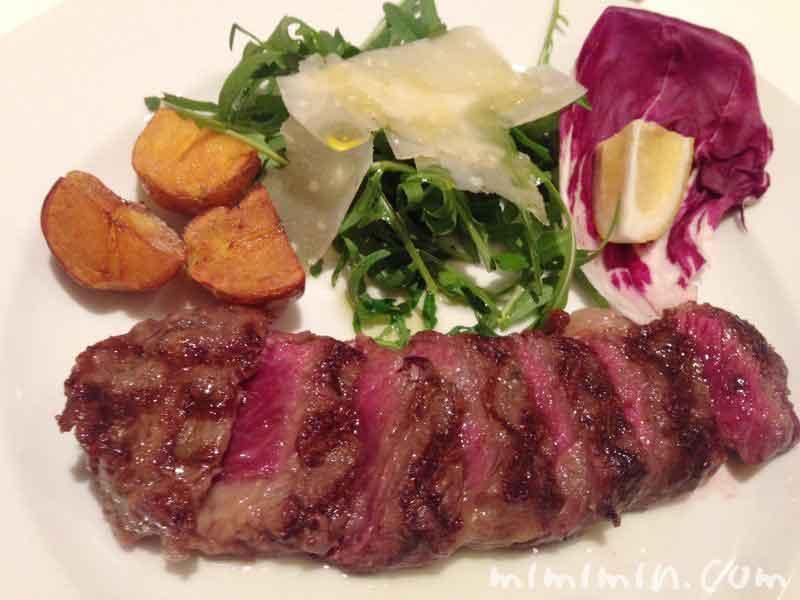 岩手県産短角牛ロースの炭火焼き|イル・バッフォーネ(恵比寿のイタリアン)のディナーの写真
