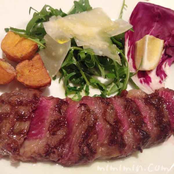 岩手県産短角牛ロースの炭火焼き|イル・バッフォーネのディナーの写真