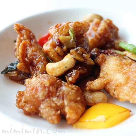 鶏腿肉とカシューナッツの甘辛炒め|センス(マンダリン オリエンタル 東京)の画像