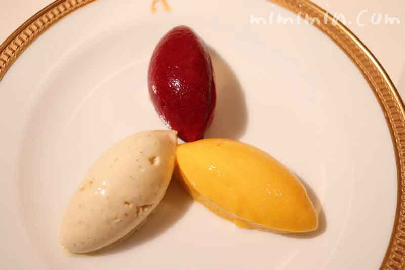 デザートのアイスクリームとシャーベット(アピシウス)の写真
