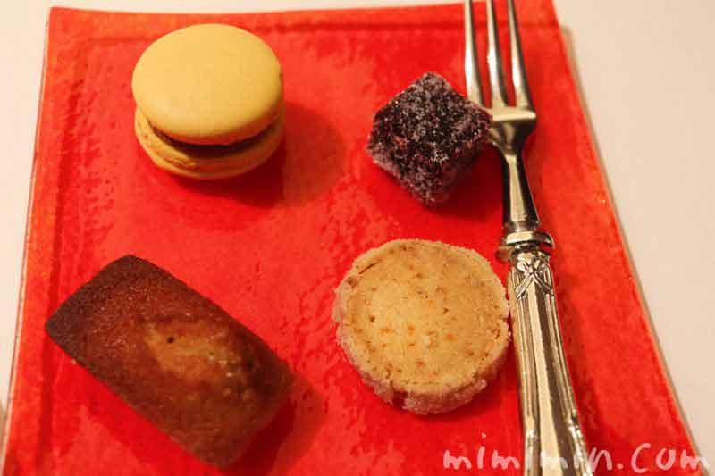 小菓子|レストラン パッションの画像