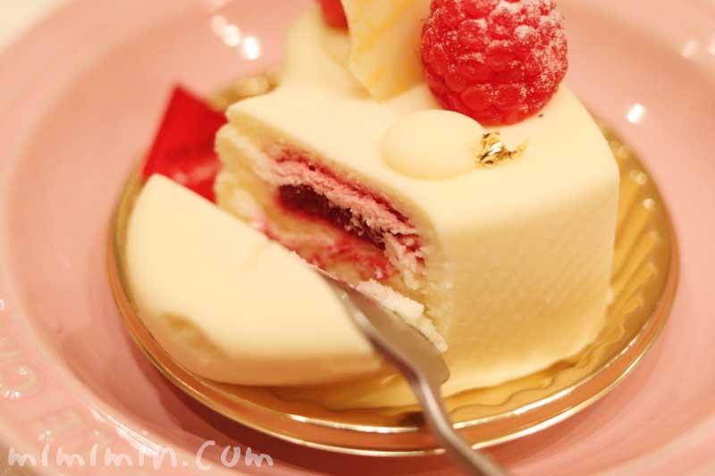 ジョエルロブションのショートケーキ「ブランブラン」(クリスマスバージョン)の画像