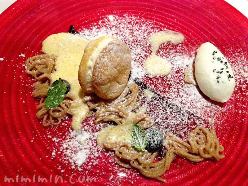 クレーム・ダンジェとイタリア産の栗のムース ゴマ塩のミルクジェラート|レストラン ヒロミチのディナーの画像