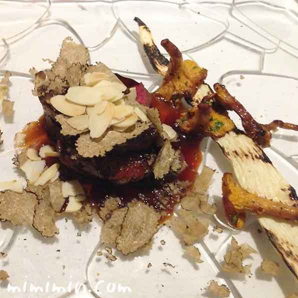 北海道産エゾ鹿のローストと鴨フォアグラのポワレのロッシーニと ジロール茸とマコモ茸 添え|レストラン ヒロミチ