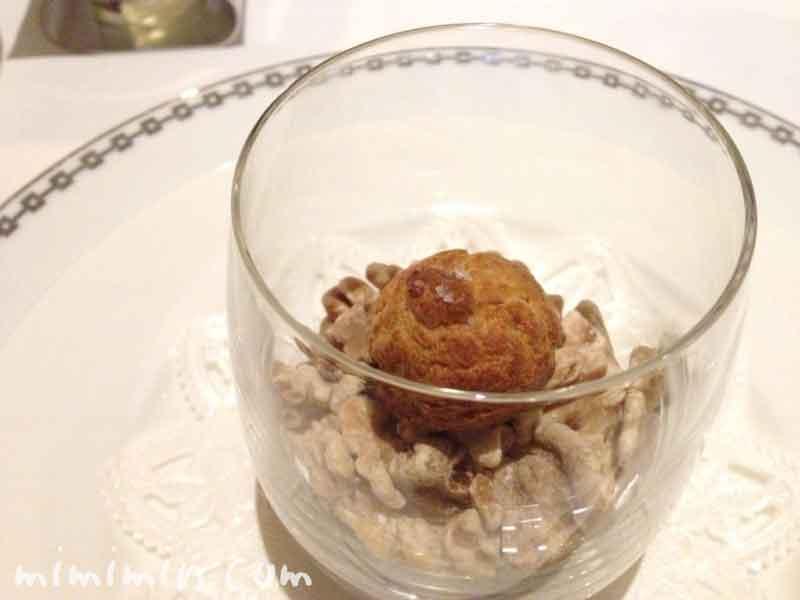 くるみとフルムダンベールのグジェー|レストラン ヒロミチのディナーの画像