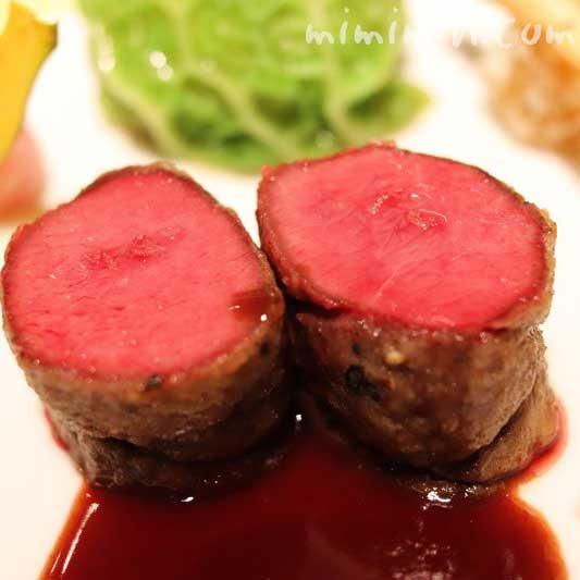 蝦夷鹿のロースト|レストランひらまつの写真